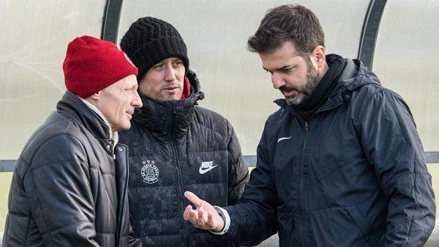 Sportovní ředitel Sparty Zdeněk Ščasný (vlevo), Tomáš Rosický a trenér Andrea Stramaccioni
