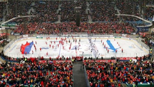 Na zápas Ruska s Finskem zavítalo 71 381 diváků.