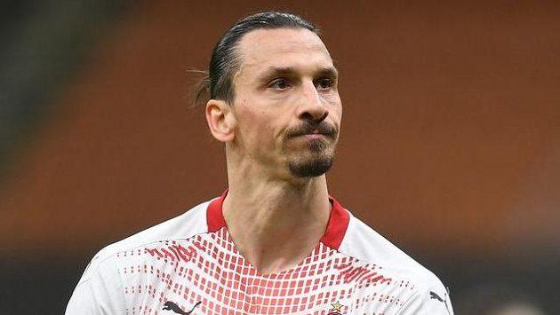 Fotbalista AC Milán Zlatan Ibrahimovic v utkání Evropské ligy proti Crvené zvezdě Bělehrad.