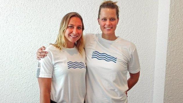 Reprezentantky Barbora Závadová (vlevo) a Věra Kopřivová se po roce sešly na české půdě.