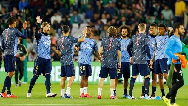 Fotbalisté Realu Madrid se na začátku března rozcvičovali před utkáním 27. kola proti Betisu Sevilla. Pár dní poté byla španělská liga přerušena kvůli pandemii koronaviru.