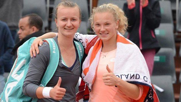 Vyřazením deblových světových jedniček se Barbora Krejčíková (vlevo) s Kateřinou Siniakovou postaraly v Paříži o prvotřídní senzaci.