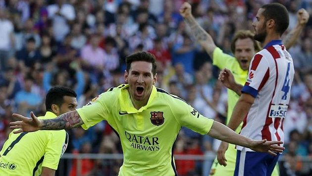 Góóól! Barcelonský Lionel Messi rozhoduje na hřišti Atlétika o titulu!