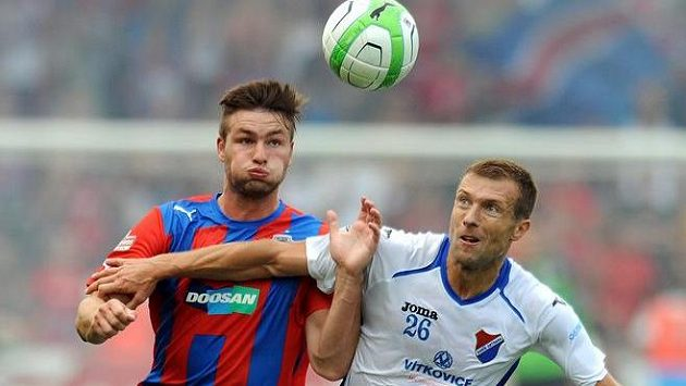 Benjamin Vomáčka (vpravo) ještě v dresu Baníku Ostrava.