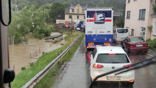 Povodeň zrušila závody tahačů na Nürburgringu