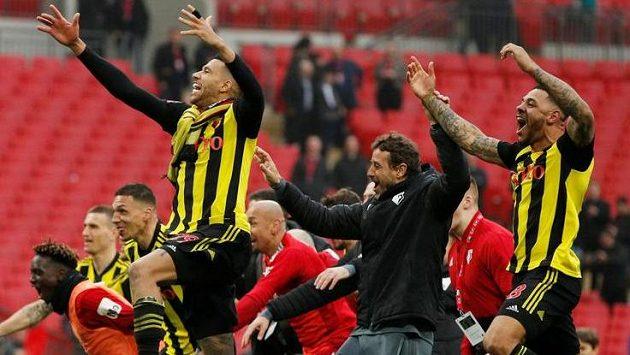 Hráči Watfordu slaví postup do finále FA Cupu.