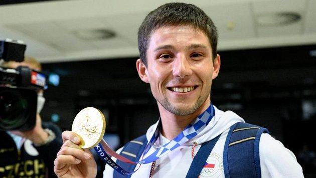 Medaile z vodního slalomu jsou doma. Oslavy byly velké, Jiří Prskavec proto celý let prospal
