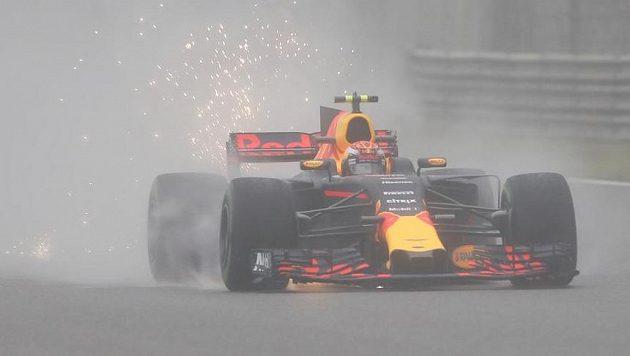 Nizozemský pilot Max Verstappen ze stáje Red Bull při tréninku na Velkou cenu Číny.