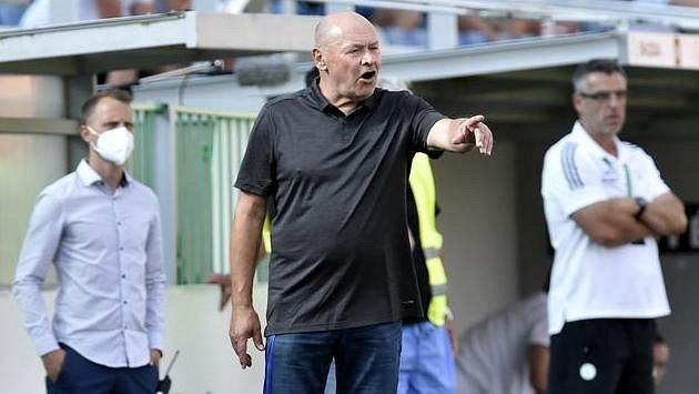 Trenér Hradce Králové Miroslav Koubek během utkání s Bohemians.
