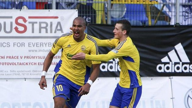 Vlevo zlínský Jean-David Beauguel, autor gólu na 1:1 v utkání se Slováckem.