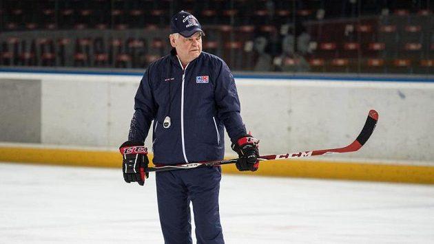 Trenér Vladimír Vůjtek během tréninku české hokejové reprezentace.