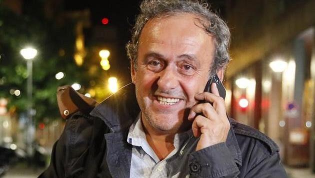 Michel Platini byl po několikahodinovém výslechu propuštěn.