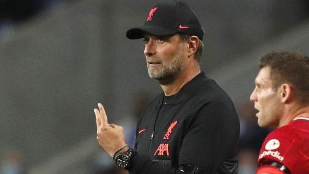 Odmítání vakcíny proti covidu-19 přirovnal trenér fotbalistů Liverpoolu Jürgen Klopp k řízení v opilosti