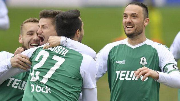 Jablonečtí se radují. Zleva Miloš Kratochvíl, Václav Pilař, autor prvního gólu Vojtěch Kubista a Martin Doležal.