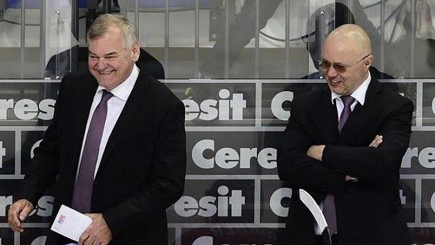 Trenér Vladimír Vůjtek (vlevo) a asistent Jiří Kalous.