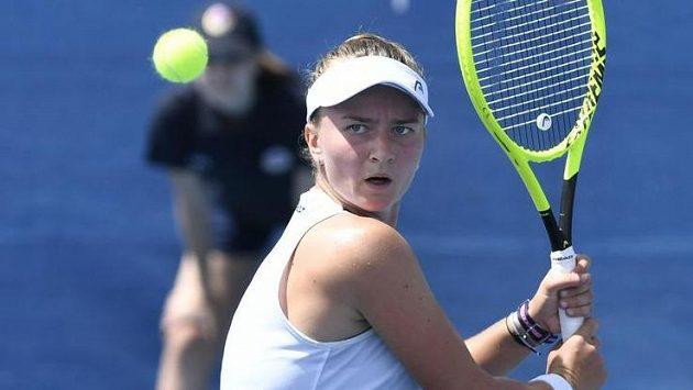 Barbora Krejčíková ve finálovém zápase Livesport Prague Open