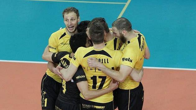 Radost brněnských volejbalistů ve finále s Libercem.