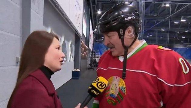 Alexandr Lukašenko na hokejovém turnaji.