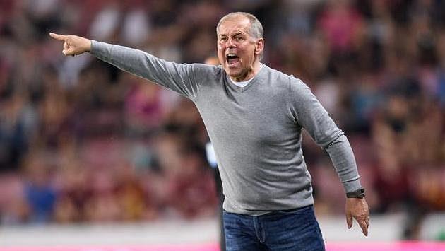 Jablonecký trenér Petr Rada během utkání na Spartě.