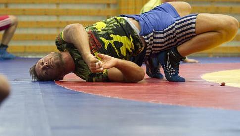 Český zápasník Artur Omarov.