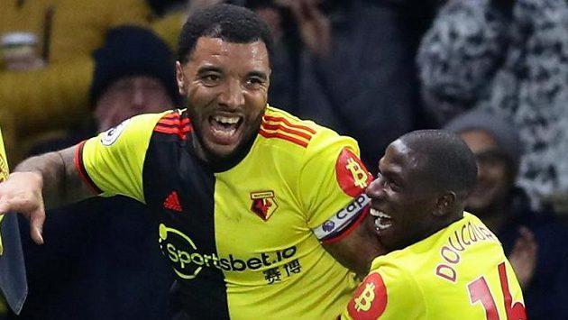 Watfordský Troy Deeney slaví gól proti Liverpoolu.
