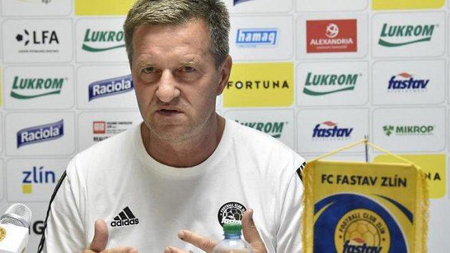 Trenér fotbalového klubu FC Fastav Zlín Josef Csaplár na tiskové konferenci