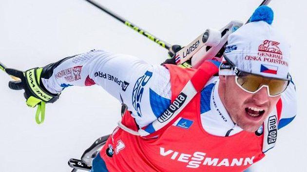Michal Krčmář na snímku ze závodu s hromadným startem v Oberhofu.