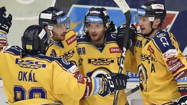Zleva Zdeněk Okál, Jakub Šlahař, Antonín Honejsek a David Nosek ze Zlína se radují z gólu.