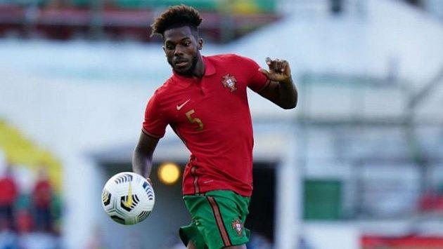 Střelec prvního gólu Portugalců Nuno Tavares