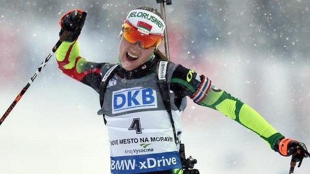 Darja Domračevová z Běloruska ve stíhacím závodu v rámci SP ve Vysočina Areně v Novém Městě na Moravě.