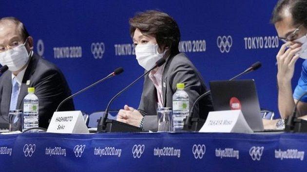 Předsedkyně organizačního výboru Seiko Hašimotová oznámila odvolání šéfa olympijských ceremoniálů Kentaro Kobajašiho