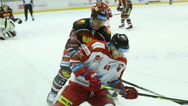 Ville Koistinen (vzadu) své působení ve Spartě ukončil