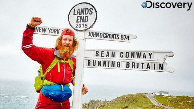 Sean Conway v cíli. Uf, konečně nemusí běžet.