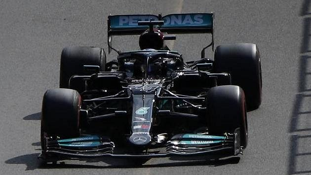Lewis Hamilton během GP Ázerbájdžánu.