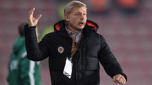 Hrr na ně! Trenér Zdeněk Ščasný skončil se Spartou až ve čtvrtfinále Evropské ligy.