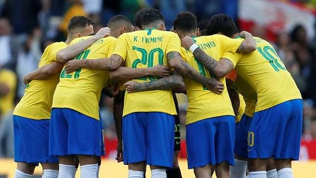 Brazilci před zápasem s Panamou.