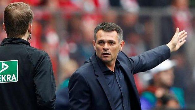 Willy Sagnol, nový trenér Bayernu v utkání s Hertou.
