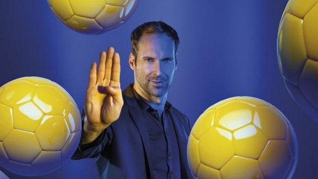 Petr Čech by mohl vyprávět, jaké trable dokážou různé druhy míčů gólmanům přivodit.