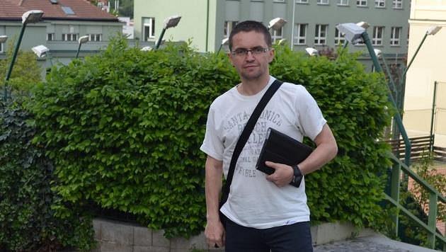 Rozhodčí Marek Pilný.