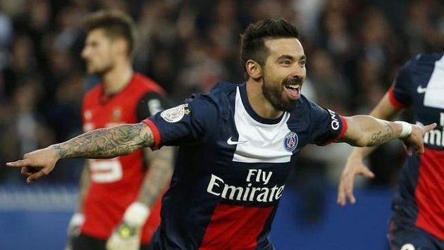Ezequiel Lavezzi z Paris SG se raduje poté, co dal gól proti Rennes. Pařížané sice nakonec podlehli, ale už mají jistý titul.