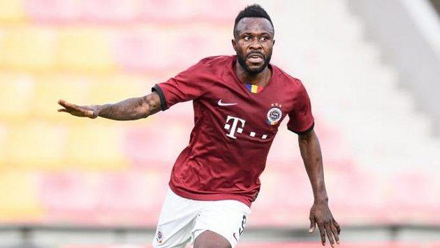 Guélor Kanga ze Sparty oslavuje gól na 2:0 během utkání s Trabzonsporem. Turci o něj údajně stojí...