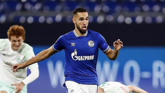 Nabíl bin Tálib ze Schalke při utkání s Brémami.