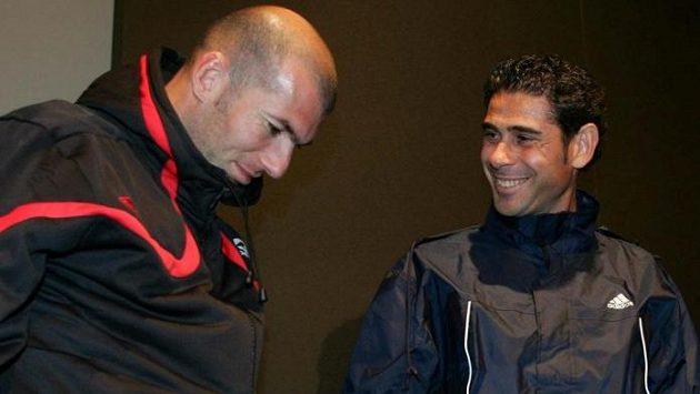 Zinedin Zidane (vlevo) a Fernando Hierro.