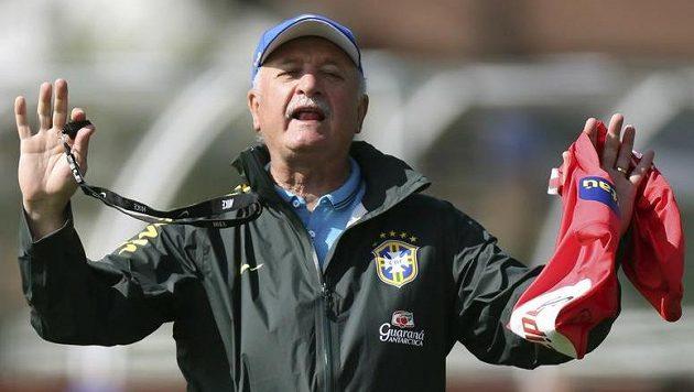Trenér Brazilců Luiz Felipe Scolari v tréninkovém kempu.