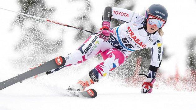 Česká lyžařka Kateřina Pauláthová během obřího slalomu v rámci Světového poháru ve sjezdovém lyžování. Archivní foto