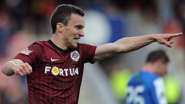 Útočník Sparty David Lafata oslavuje hattrick proti Mladé Boleslavi.