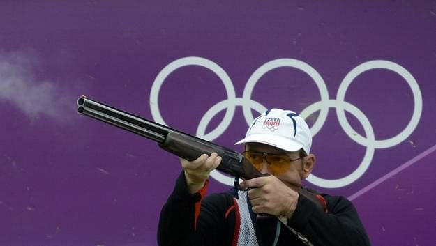 Skeetař Jan Sychra ve finále olympijského závodu