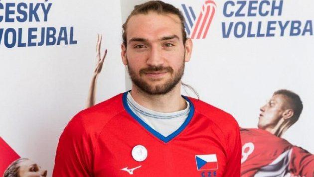 Český volejbalista Jan Hadrava válí v Polsku.