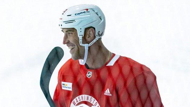 Zdeno Chára na archivním snímku při tréninku hokejistů Washingtonu.