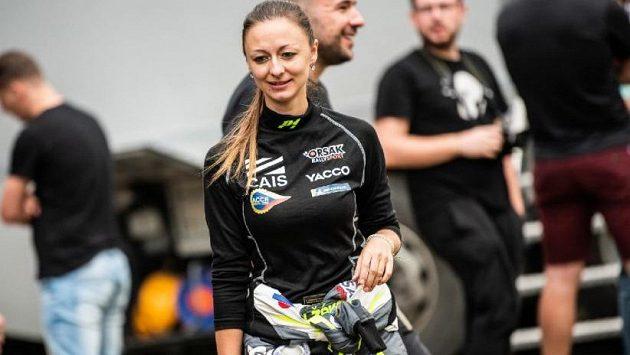 Sto motoristických soutěží už má za sebou navigátorka Jindřiška Žáková.